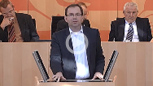 Mathias Wagner am Mikrofon